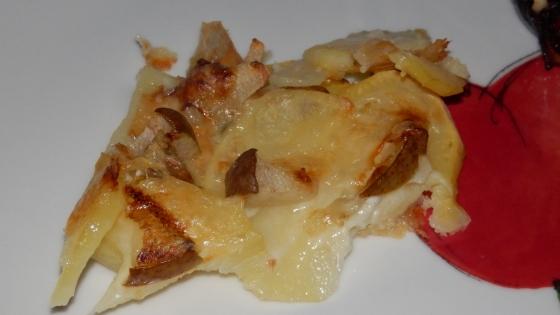 tarta ziemniaczana z gruszką i gorgonzolą