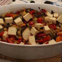 Kolorowa zapiekanka z dynią i tofu