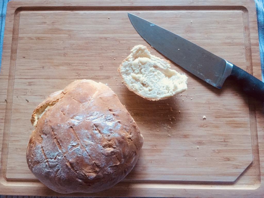 Zwykły biały chleb