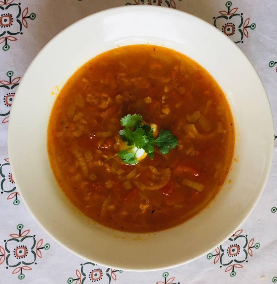 pomidorowa z soczewicą