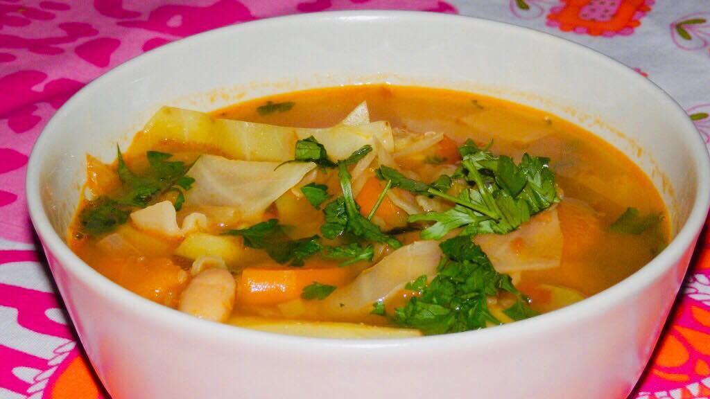 zupa minestrone z pieczonych warzyw