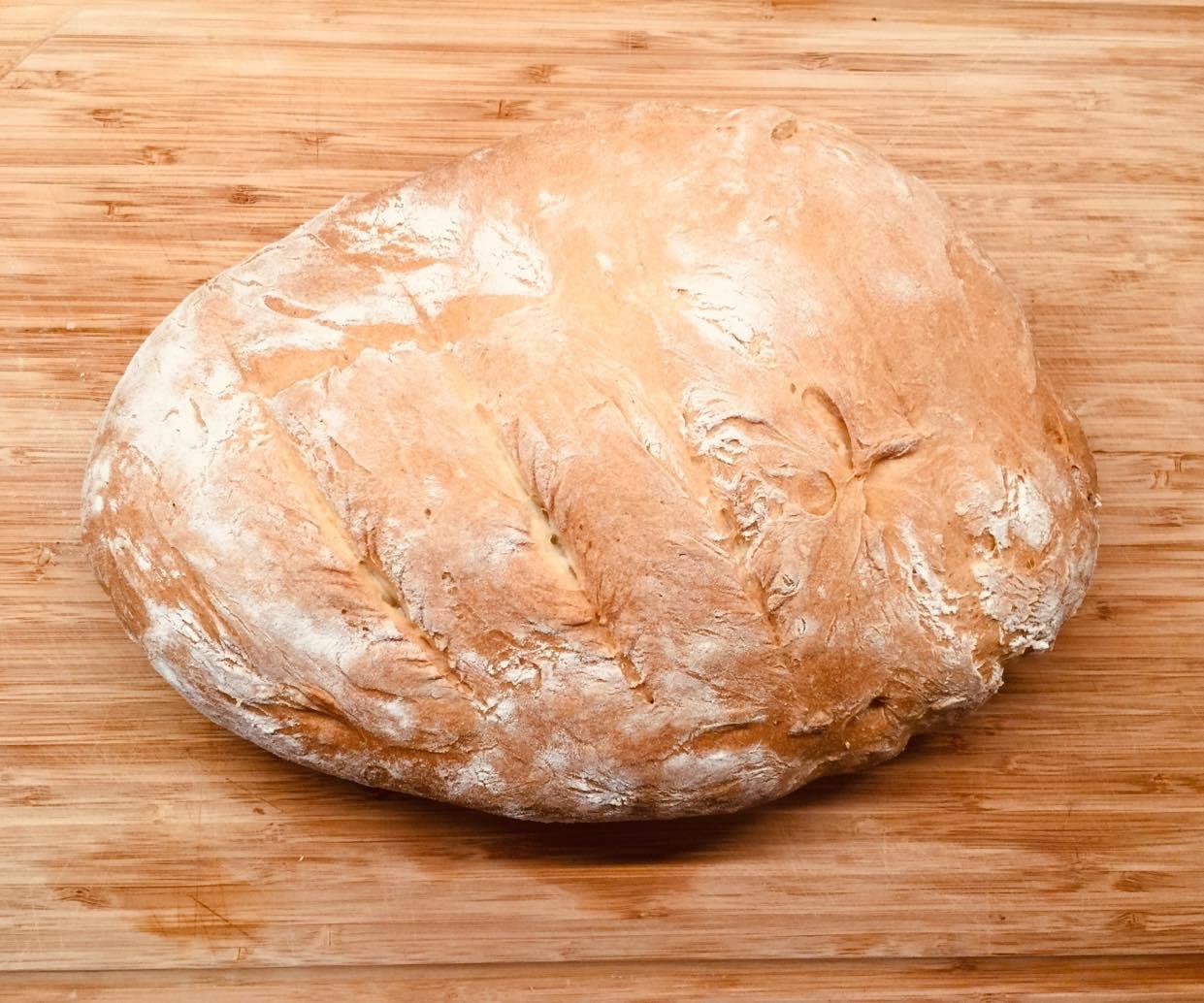 Łatwy pszenny chleb z białej mąki